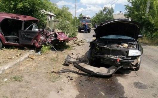 Лобовое столкновение вДонецкой области: семь пострадавших